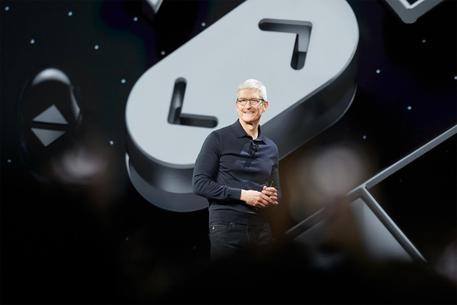 """Arrivo della """"dark mode"""" e addio iTunes, novità Apple"""