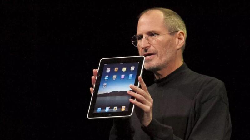 Steve Jobs present l'iPad al Ces di Las Vegas il 27 gennaio 2010